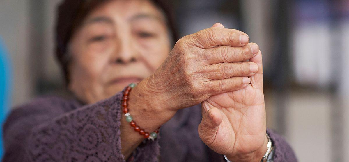 """""""Тайната на дълголетието се крие в храната"""" споделя 90-годишната Мизако Мияги, която живее в селото на столетниците. Разберете повече за нейната вдъхновяваща история и вижте какво вкусните и здравословни съставки, които редовно присъстват в менюто й."""
