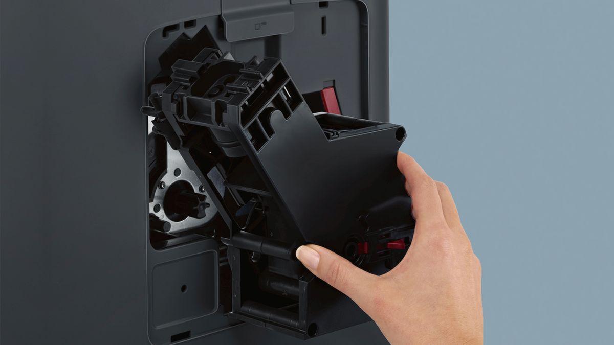 Siemens Kühlschrank Lock Ausschalten : Eq.7 plus aromasense blacksteel extraklasse kaffeevollautomat eq.7